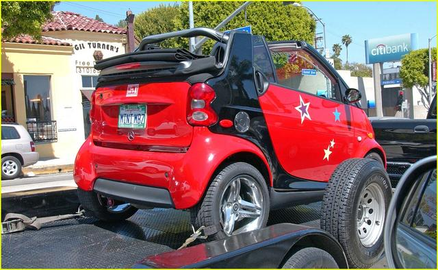 Hannah Montana Miley Cyrus With Her Mercedes Benz Smart